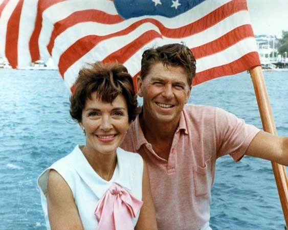 Nancy y Ronald Reagan en California en 1964